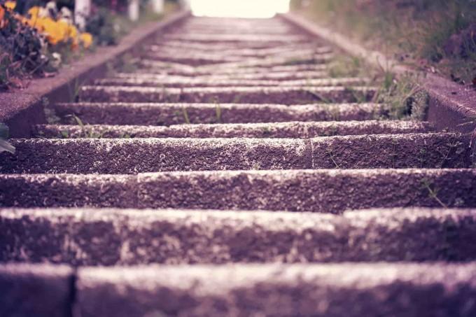 恋愛を応援することで読者が階段を昇る