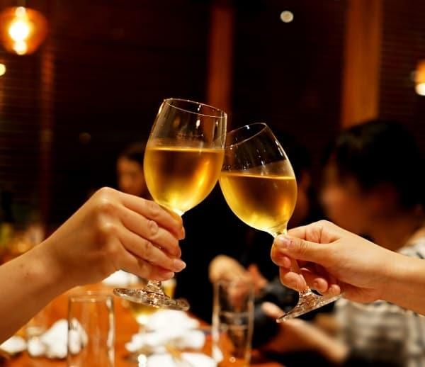 隙がある女性は飲み会の参加率が高い。